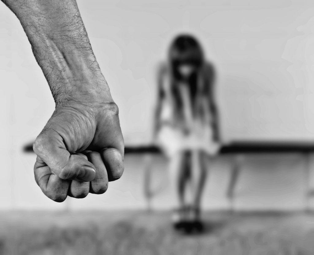 medsebojni odnosi in vtisi iz otroštva